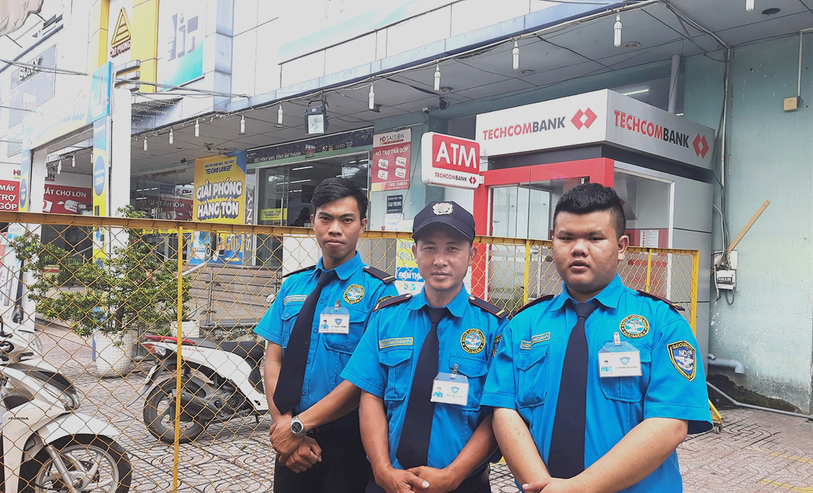 NDS Security guards at Cho Lon Electronic Supermarket